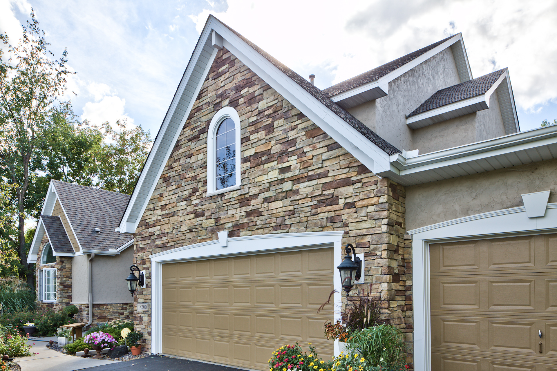 Windows shake trim stone barrier construction for How to install stone veneer over stucco